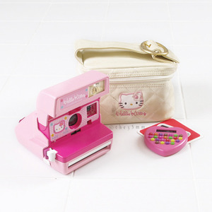 NO.M84 Hello Kitty 600 + Bag